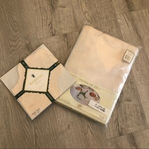 NWT New Old Stock Ivory Damask Tablecloth & Basket Liner Primrose Hill Waterford